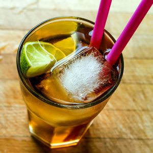 Iced tea with lime